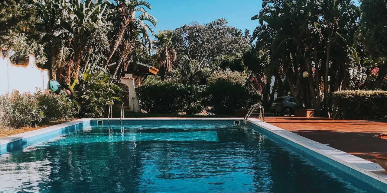 https://cityxcape.it/wp-content/uploads/2020/07/Copia-di-piscina-1-1-1280x640.jpg
